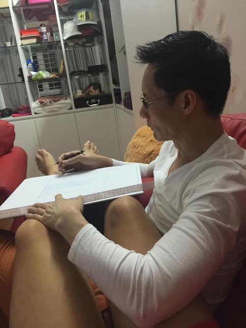 Dù giàu có nức tiếng, chồng đại gia của Phan Như Thảo vẫn tự tay làm điều hiếm có này cho lễ đính hôn-1