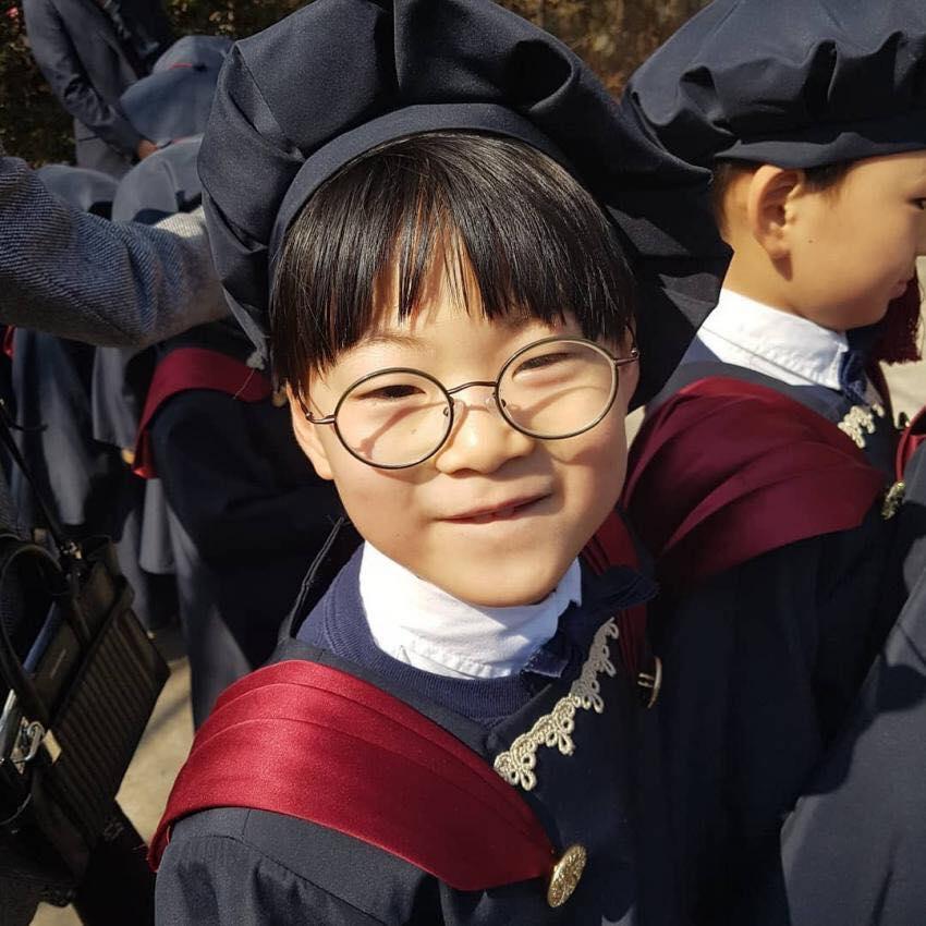 VZN News: Bộ ba sao nhí Daehan - Minguk - Manse lớn phổng phao trong ngày tốt nghiệp mẫu giáo-2