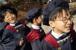 Bộ ba sao nhí Daehan - Minguk - Manse lớn phổng phao trong ngày tốt nghiệp mẫu giáo