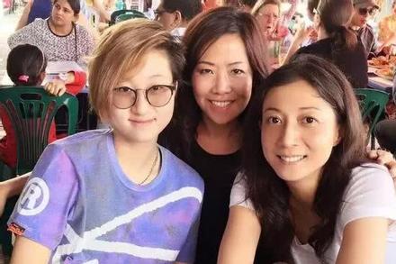 Con gái Thành Long hốc hác ở tuổi 20 vì mưu sinh