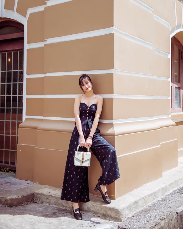 Đông Nhi lấy lại phong độ với 2 màn street style ấn tượng - Ninh Dương Lan Ngọc lên đồ như nữ sinh-1