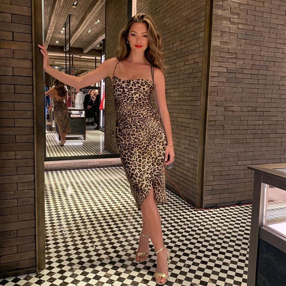 VZN News: Bản tin Hoa hậu Hoàn vũ 5/9: Miss Universe gây hoang mang với chiều cao ngang ngửa danh hài Việt Hương-7