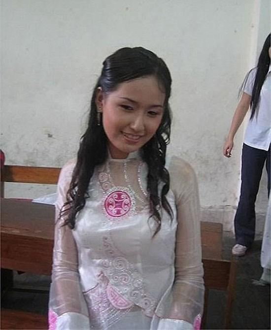 Sơn Tùng mặc áo khoác cá tính, Kỳ Duyên diện đồ đơn giản thời đi học-8