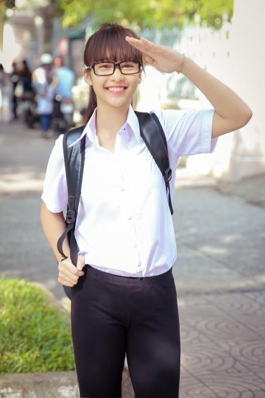 Sơn Tùng mặc áo khoác cá tính, Kỳ Duyên diện đồ đơn giản thời đi học-9