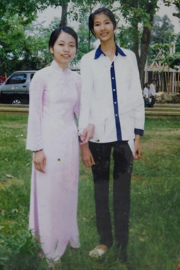 Sơn Tùng mặc áo khoác cá tính, Kỳ Duyên diện đồ đơn giản thời đi học-10