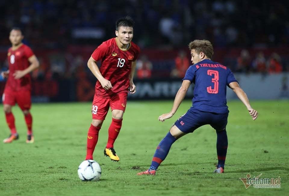 Tuấn Anh biểu cảm lạ khi Chanathip của Thái Lan có cơ hội ghi bàn khiến fans bật cười-1