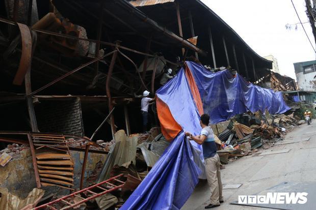 VZN News: Hà Nội khám sức khỏe miễn phí cho dân bị ảnh hưởng do cháy công ty Rạng Đông-1