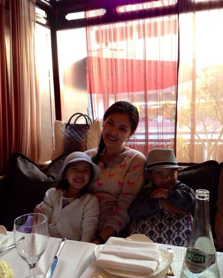 Mới 11 tuổi nhưng ái nữ của A Châu Lưu Đào đã lộ rõ tố chất của một đại mỹ nhân-5