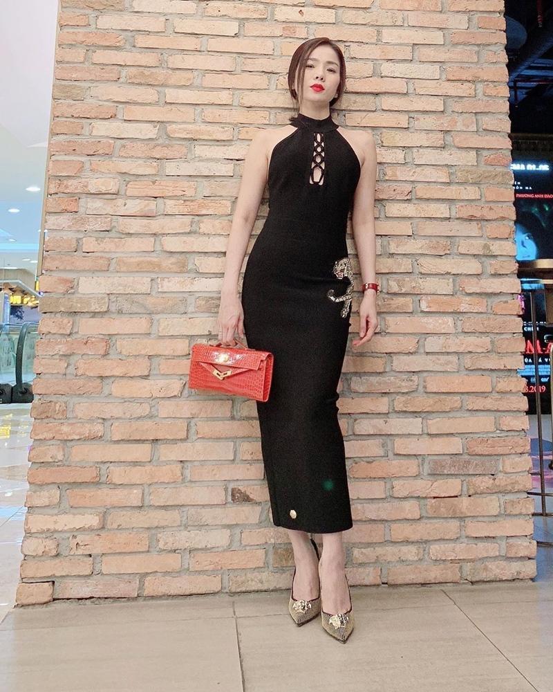 Đông Nhi lấy lại phong độ với 2 màn street style ấn tượng - Ninh Dương Lan Ngọc lên đồ như nữ sinh-9