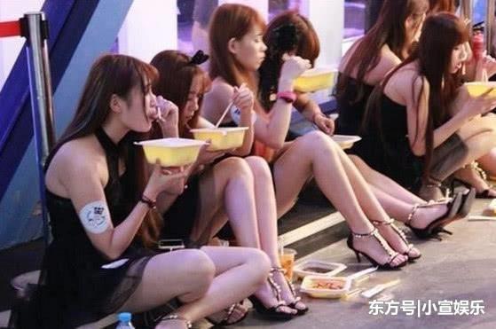 Cảnh tủi nhục của diễn viên quần chúng ở Trung Quốc-5