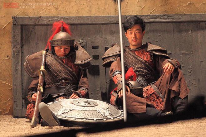 Cảnh tủi nhục của diễn viên quần chúng ở Trung Quốc-15