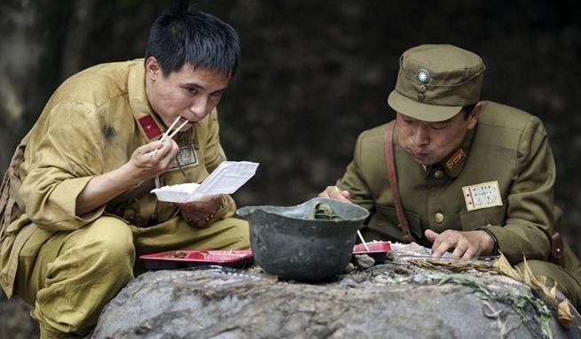 Cảnh tủi nhục của diễn viên quần chúng ở Trung Quốc-14