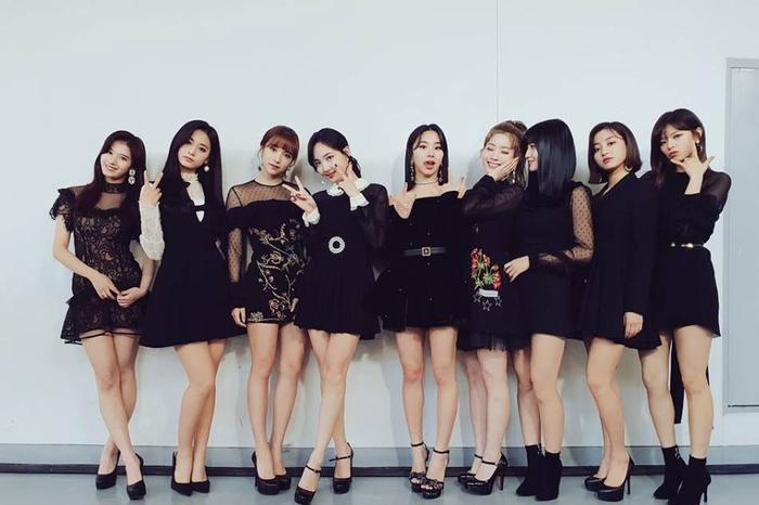 VZN News: Màn comeback tại quê nhà còn chưa lên sóng, Twice đã rục rịch công phá xứ hoa Anh Đào bằng album mới-3
