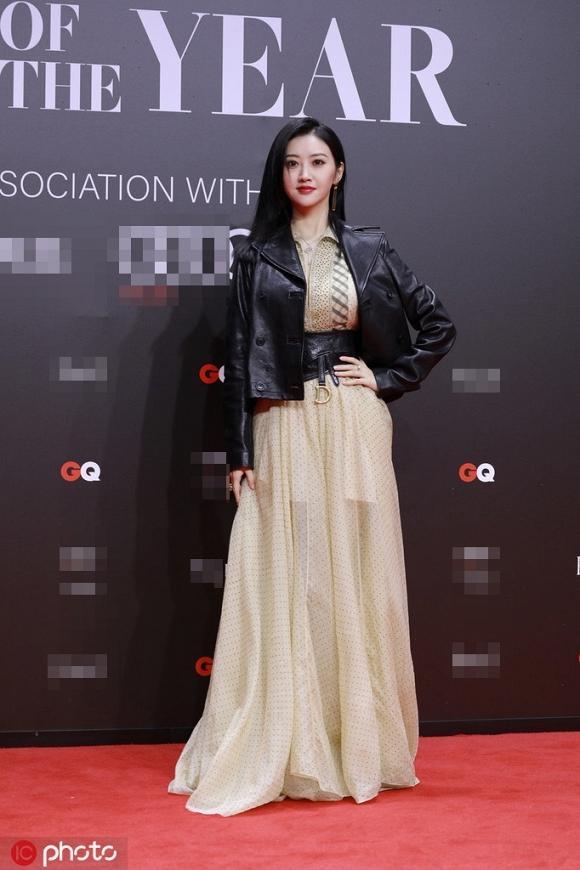Lý Băng Băng diện trang phục như nội y, Angelababy khoe khéo vòng một gợi cảm trên thảm đỏ-3