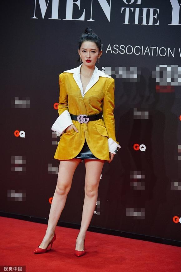Lý Băng Băng diện trang phục như nội y, Angelababy khoe khéo vòng một gợi cảm trên thảm đỏ-5