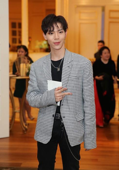 Sau Sơn Tùng, đến lượt Erik từ chối tranh giải Asia Artist Awards 2019-4