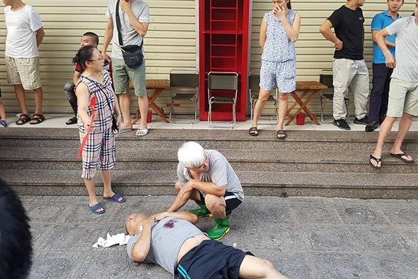 VZN News: Sau 2 tiếng nổ lớn, người đàn ông đổ vật ở chung cư HH Linh Đàm-3