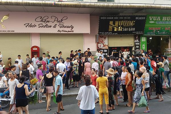 VZN News: Sau 2 tiếng nổ lớn, người đàn ông đổ vật ở chung cư HH Linh Đàm-5