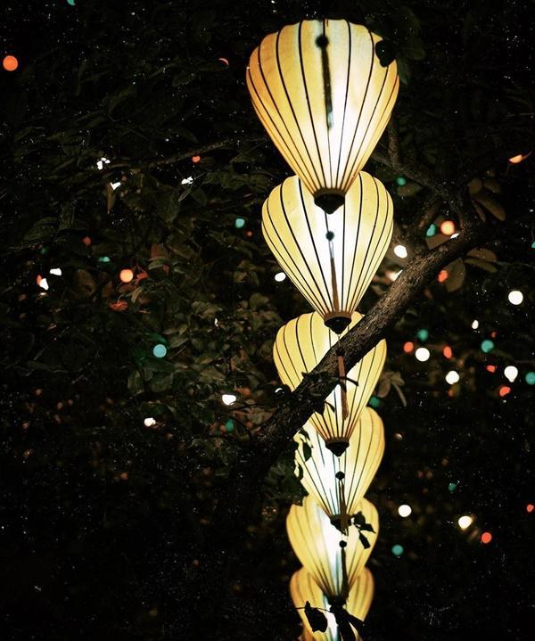 Con đường rợp đèn lồng đón Trung thu giữa lòng Hà Nội-4