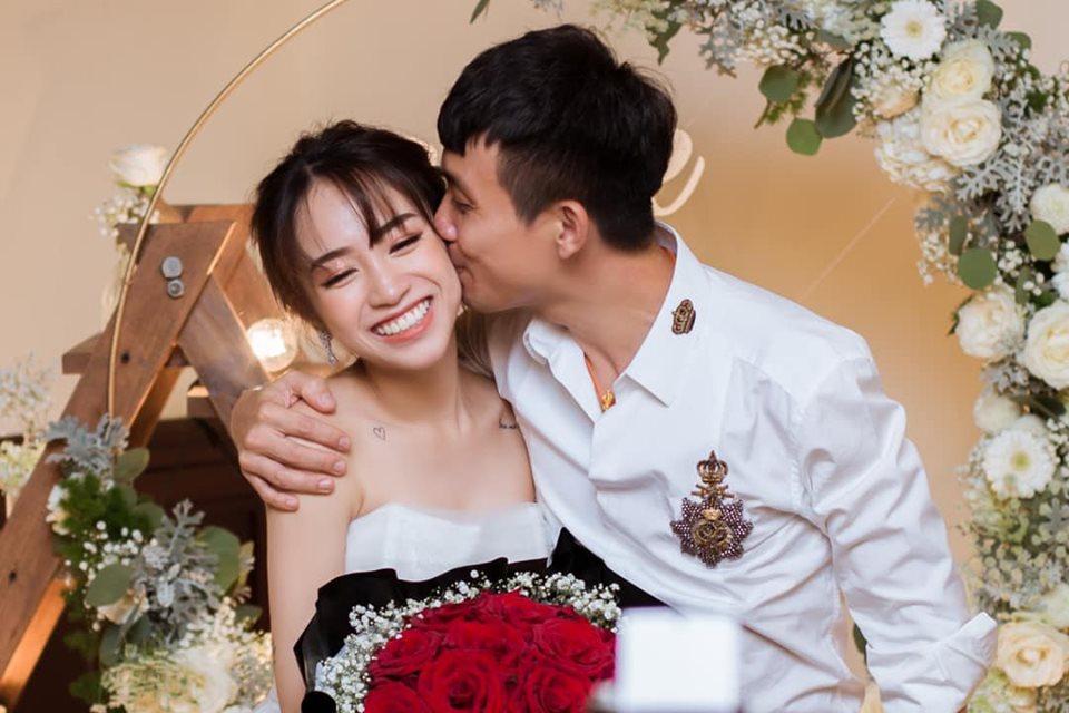 BẤT NGỜ CHƯA: Ngay trước hôn lễ của con gái, Minh Nhựa diện vest bảnh bao đòi làm đám cưới lần 3 này-1