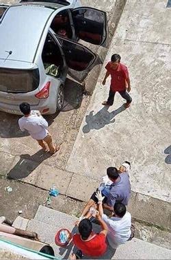 Phẫn nộ: Cháu bé đang ngủ say trong nhà bị bác ruột dùng vác dao sang chém đứt lìa 2 tay ở Bắc Giang