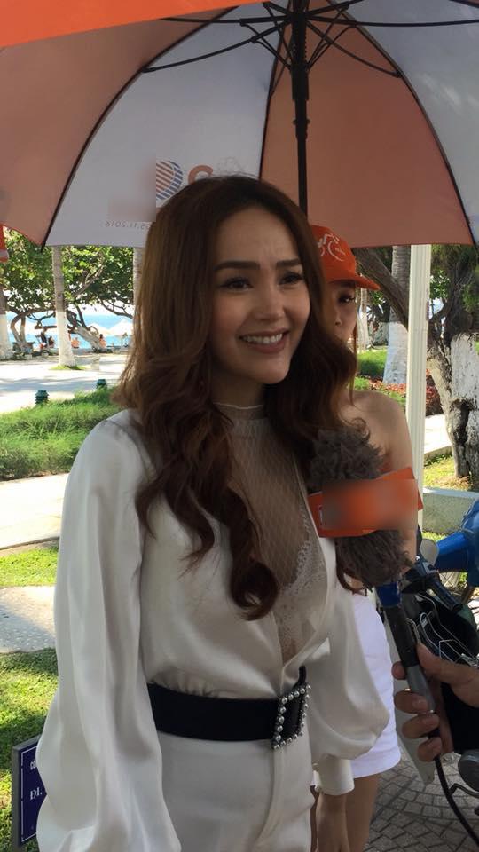 Mỹ nhân Việt khốn đốn vì vô tình lộ nhan sắc thật dưới ống kính của fans-4