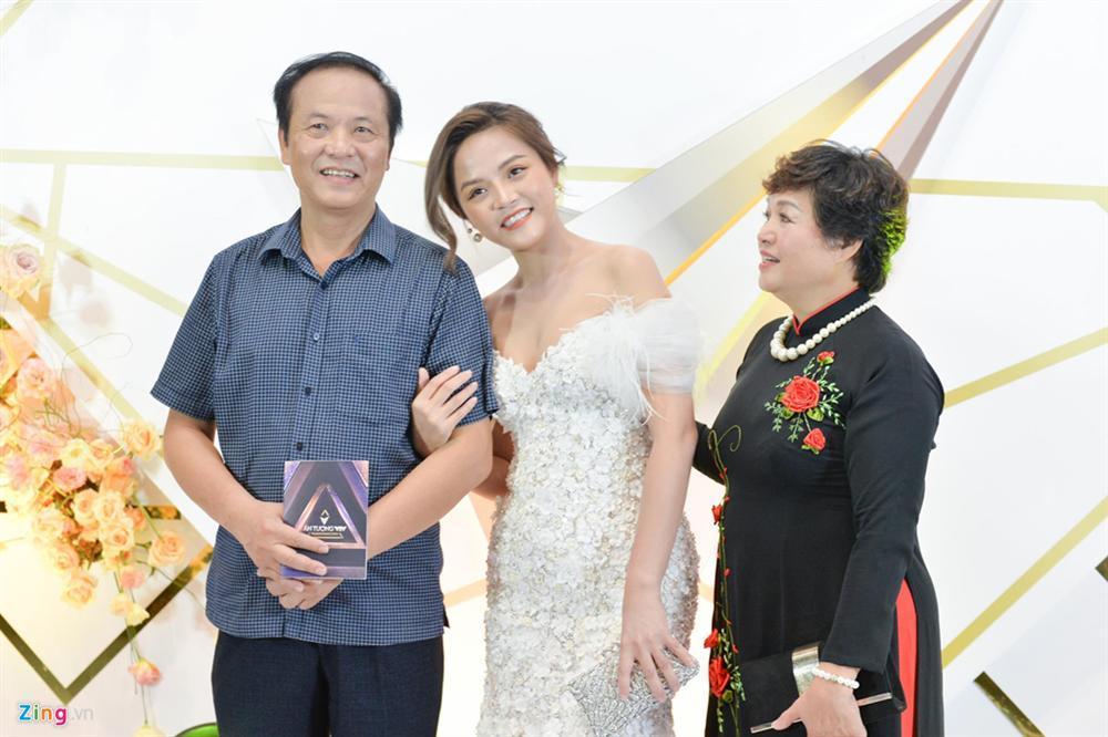 Nhã Phương và dàn sao Về nhà đi con hội ngộ trên thảm đỏ VTV Awards-18
