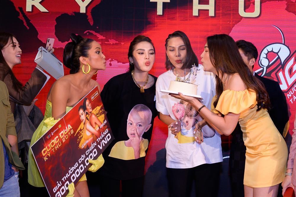 HHen Niê - Lệ Hằng đoạt ngôi vị quán quân thuyết phục tại Cuộc đua kỳ thú 2019-4