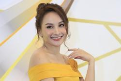 Bảo Thanh khoe giọng hát với nhạc phim 'Về nhà đi con' tại VTV Awards 2019