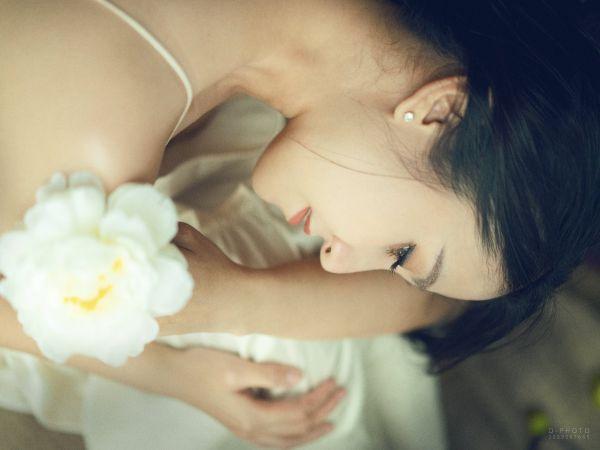 Đây là biểu hiện của người phụ nữ có số mệnh tốt, được quý nhân phù trợ cả đời giàu sang-1