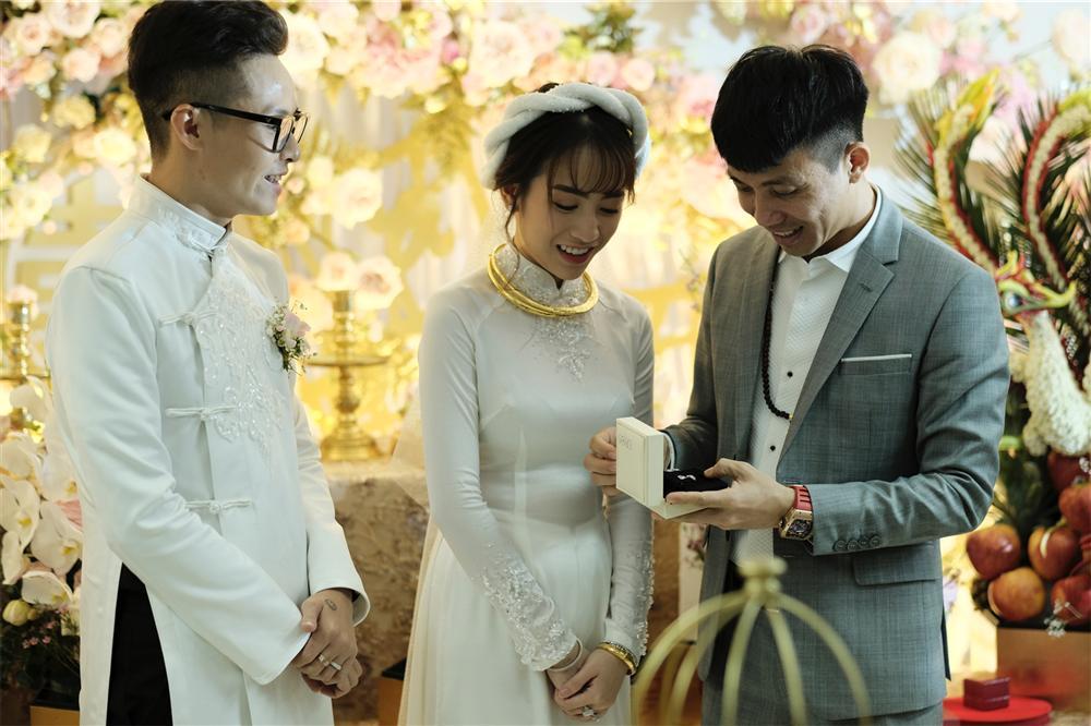 Cận cảnh dàn xe sang trị giá gần 100 tỷ đồng hộ tống con gái Minh Nhựa về nhà chồng-9
