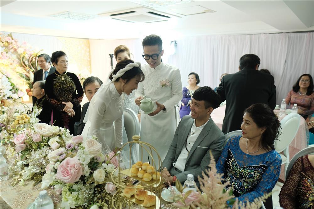 Cận cảnh dàn xe sang trị giá gần 100 tỷ đồng hộ tống con gái Minh Nhựa về nhà chồng-10