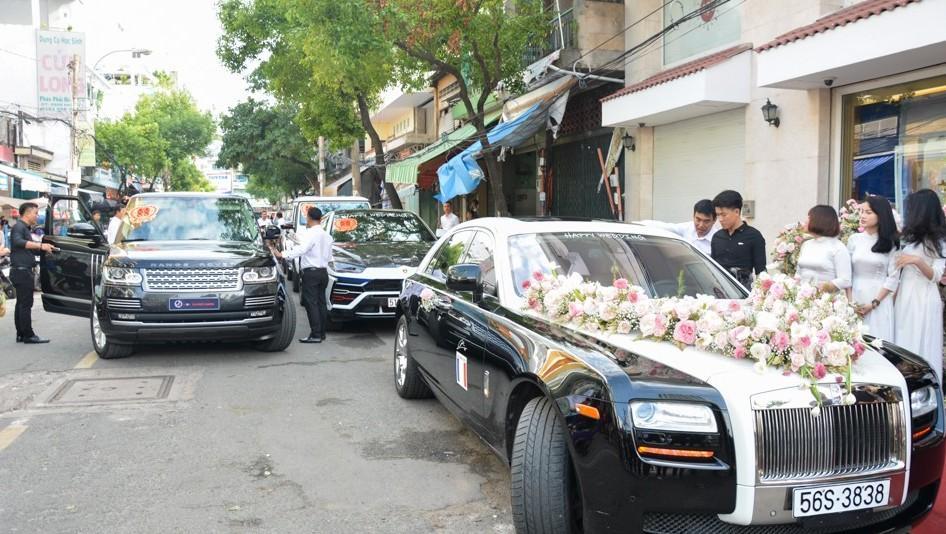 Con gái Minh Nhựa khoe đám cưới khủng: Được 15 siêu xe gần 100 tỷ hộ tống, kim cương phủ đầy tay-3