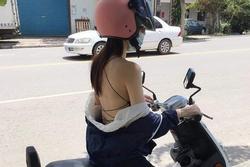 Phơi lưng trần khi ra đường, cô gái trẻ khiến người xem ngán ngẩm với kiểu thời trang hở bạo