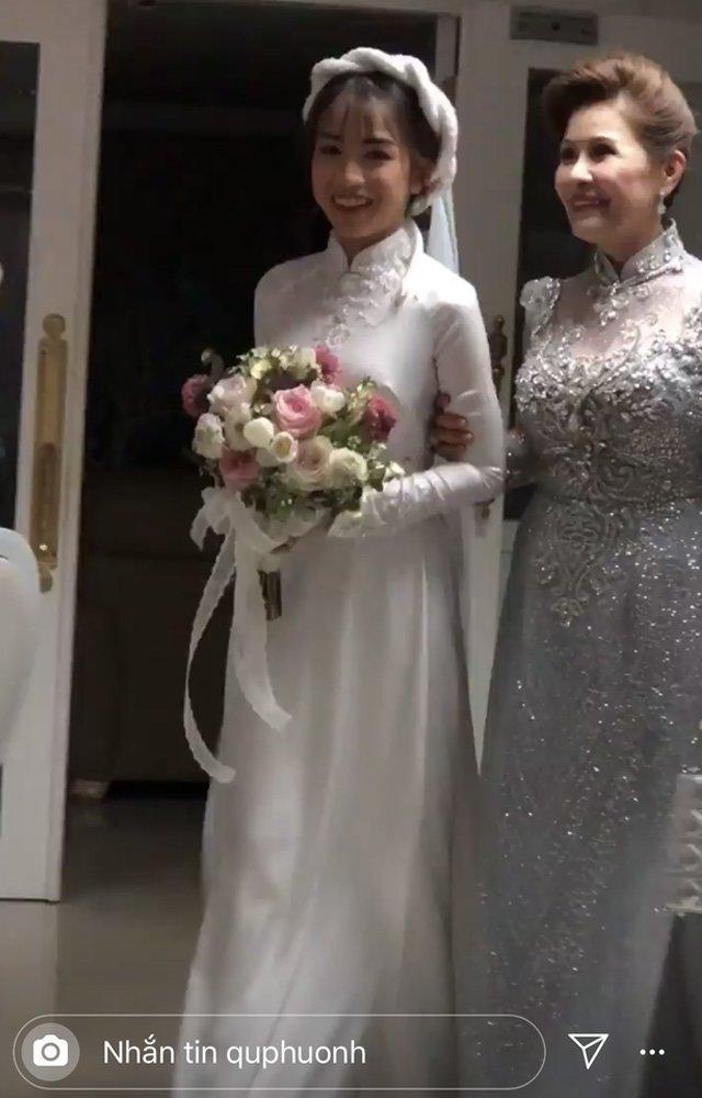 Nhà siêu giàu, con gái đại gia Minh Nhựa vẫn diện lại áo dài cưới trong lễ đón dâu-2