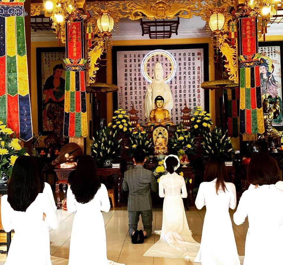 Nhà siêu giàu, con gái đại gia Minh Nhựa vẫn diện lại áo dài cưới trong lễ đón dâu-7
