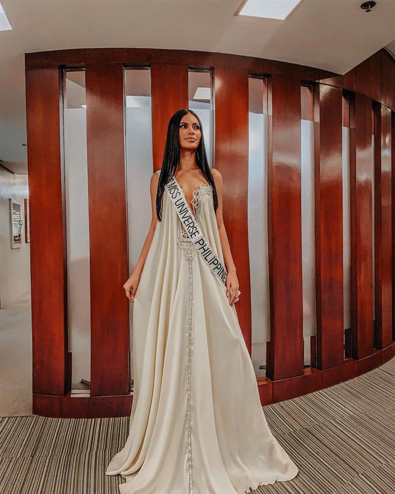 Bản tin Hoa hậu Hoàn vũ 9/9: Hoàng Thùy chỉ diện đầm tối giản vẫn tỏa sáng giữa dàn đối thủ-2