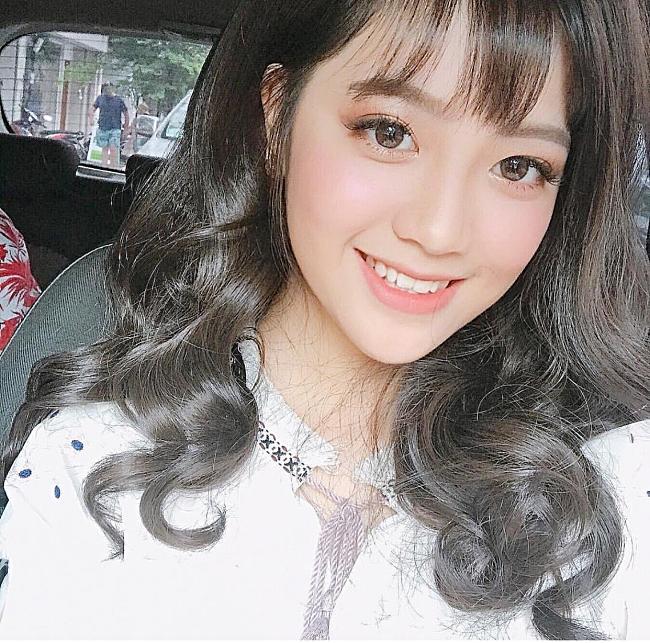 Chân dung gái xinh hát dở ẹ được Dương Triệu Vũ hối thúc đi thi Hoa hậu tại Giọng Ải Giọng Ai-6