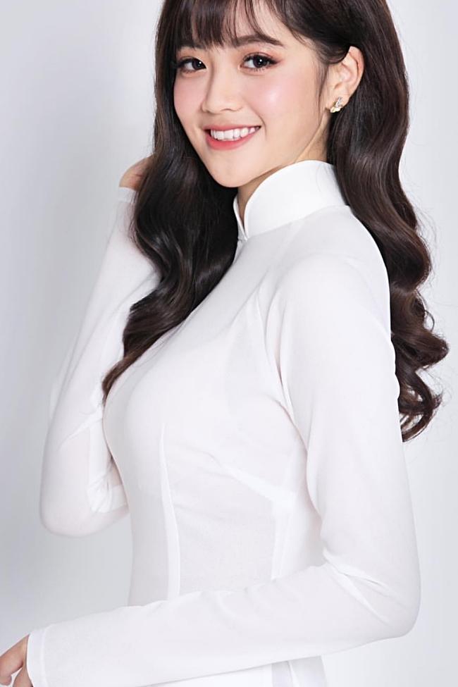 Chân dung gái xinh hát dở ẹ được Dương Triệu Vũ hối thúc đi thi Hoa hậu tại Giọng Ải Giọng Ai-9