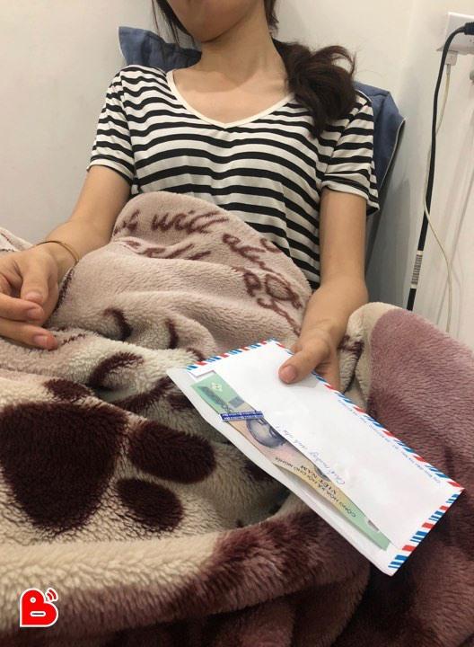 VZN News: Ngày đầy tháng của con, vợ chết lặng khi mở món quà cất kĩ trong phong bì người yêu cũ chồng gửi-2