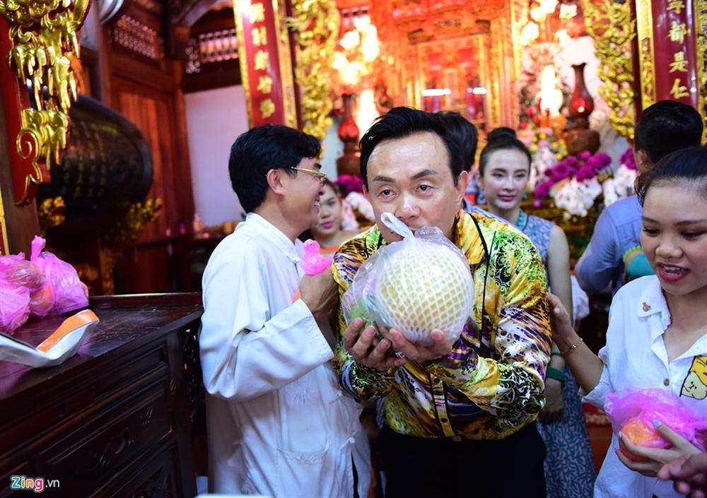 Hoài Linh làm lễ dâng hương Tổ nghề, nhiều nghệ sĩ Việt tham dự-6