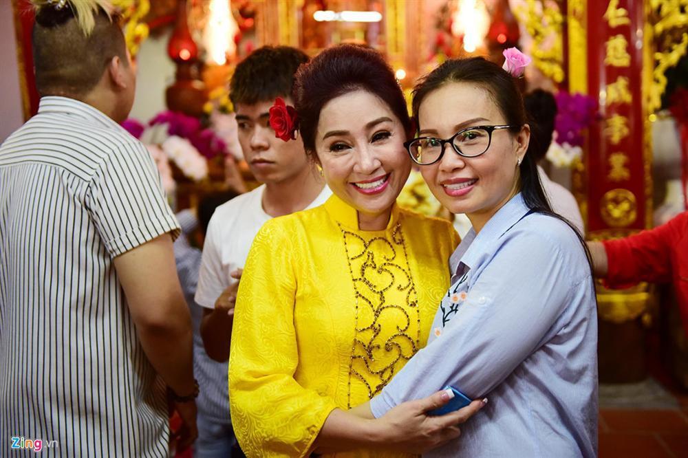 Hoài Linh làm lễ dâng hương Tổ nghề, nhiều nghệ sĩ Việt tham dự-7