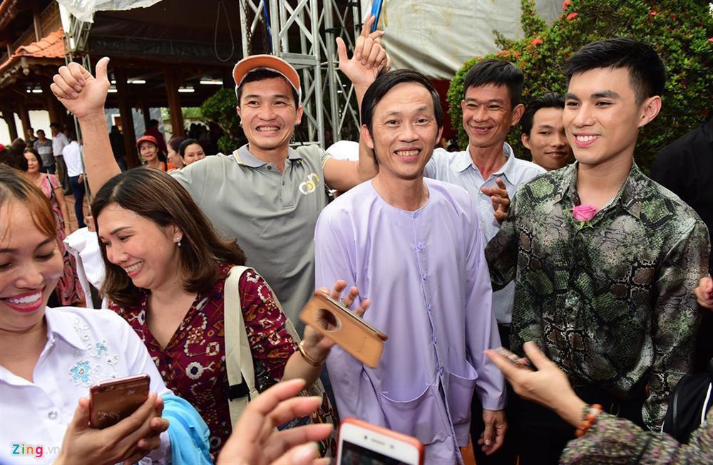 Hoài Linh làm lễ dâng hương Tổ nghề, nhiều nghệ sĩ Việt tham dự-10