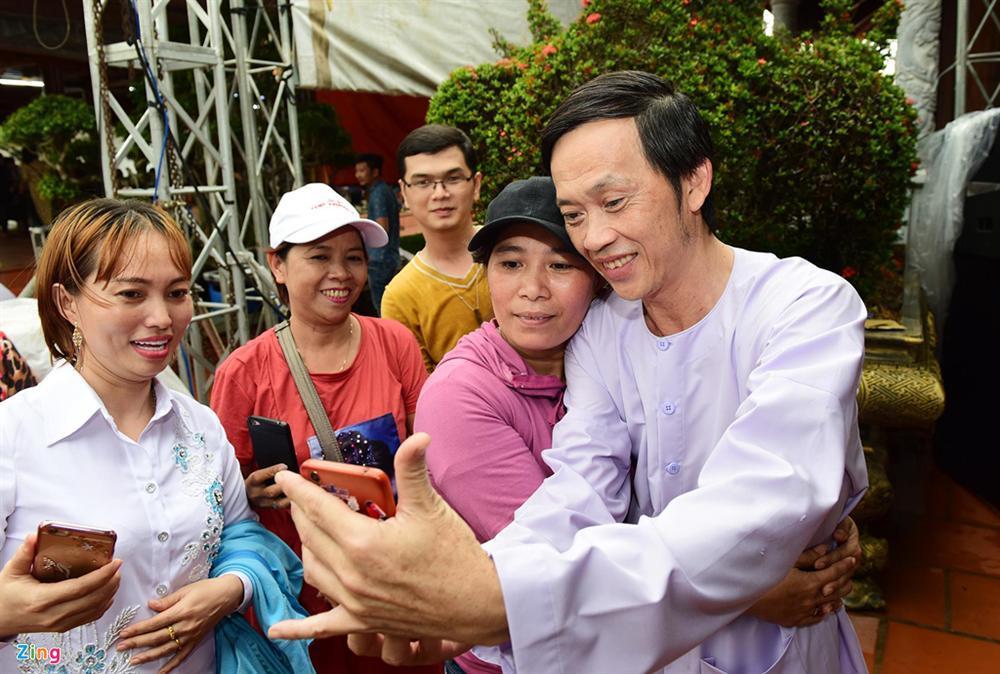Hoài Linh làm lễ dâng hương Tổ nghề, nhiều nghệ sĩ Việt tham dự-11