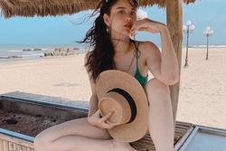 Gái một con Trương Quỳnh Anh diện bikini khoe thân hình rực lửa