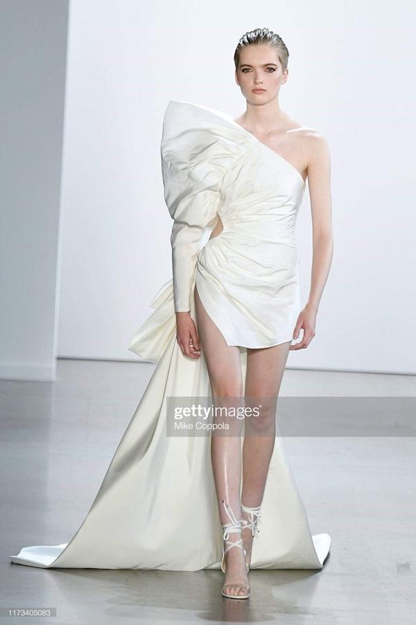 Thiên thần Victorias Secret đẹp nhất thế giới làm nàng thơ của NTK Công Trí-4
