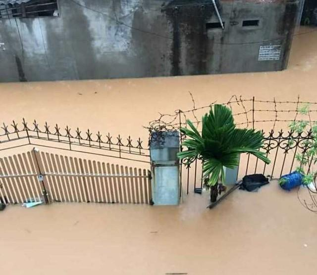 Cộng đồng mạng xót xa chia sẻ hình ảnh TP Thái Nguyên ngập nặng sau trận mưa lớn-1