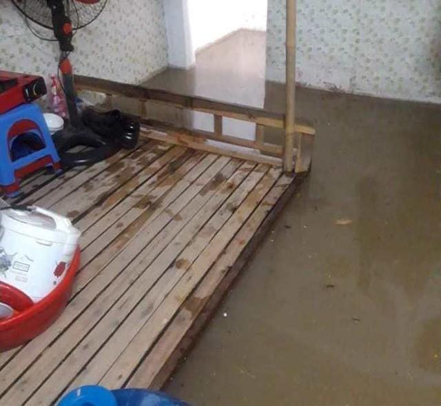 Cộng đồng mạng xót xa chia sẻ hình ảnh TP Thái Nguyên ngập nặng sau trận mưa lớn-2