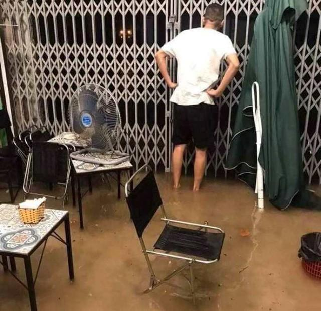 Cộng đồng mạng xót xa chia sẻ hình ảnh TP Thái Nguyên ngập nặng sau trận mưa lớn-3