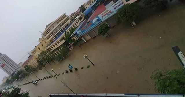 Cộng đồng mạng xót xa chia sẻ hình ảnh TP Thái Nguyên ngập nặng sau trận mưa lớn-5